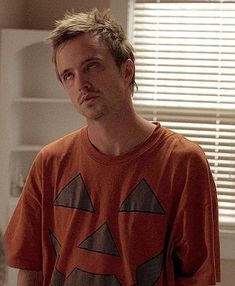 """205 curtidas, 6 comentários - Horror•Sex•Pizza•Daddydom (@horrordaddydom) no Instagram: """"When someone tells me they don't celebrate Halloween 😒🎃 #mood #merightnow #halloweenislife #same…"""" Breaking Bad Quotes, Breaking Bad Funny, Breaking Bad Tv Series, Jesse Pinkman, Bad Memes, Aaron Paul, Bad Mood, Series Movies, Tv Shows"""