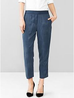 Tencel® jogger pants from #gap. Can be easily dressed up and down!