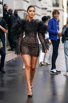 Olivia Culpo Out in Paris - Celebrity Style Look Fashion, High Fashion, Fashion Show, Fashion Design, Couture Fashion, Runway Fashion, Womens Fashion, 2020 Fashion Trends, Mode Monochrome