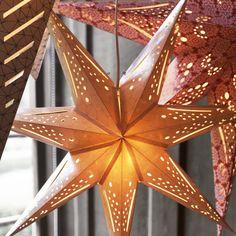 Estrelas no topo do Natal.  #decoração #Natal #IKEAPortugal
