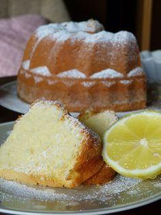 Kouzlo mého domova: Citronová babeta Czech Desserts, Slovak Recipes, Bunt Cakes, Sweet Cakes, Pain, Cornbread, Sweet Recipes, Croissant, Muffins