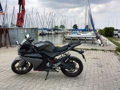 Yamaha YZF-R125 #yamahayzfr125  Pic from @wolfiiiiiiiiii #austria #dodge #carspotting #carspotter  #cars #followme #billionairetoys #corvette #carlifestyle #ferrari #blacklist #porsche #bmw #supercars #motorcycle #bikes #yamaha #bugatti #ducati #aprilia #ktm #suzuki #maserati #corvette #kawasaki #bike #car #austrain_automotive by austrian_automotive