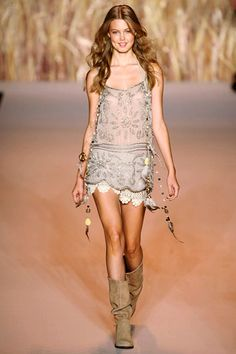 Anna Sui RTW 2011. love this and would totally rock it given the opportunity.