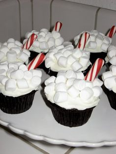 Hot Cocoa Cupcakes --- I am so making these for the girls Christmas parties tomorrow!