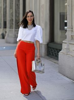 Toms Shoes OFF! Sydne Style shows how to wear red pants for fall in lovers and friends Casual Winter Outfits, Chic Outfits, Fashion Outfits, How To Wear Culottes, Culottes Outfit, Orange Pants Outfit, Pantalon Orange, Classic Fashion Trends, Western Dresses For Girl