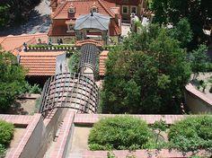 Schodiště tvoří osu zahrady