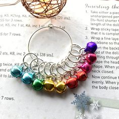 Stitch Markers, Knitting Stitches, Gift Wrapping, Colours, Crafty, Bracelets, Gifts, Etsy, Jewelry
