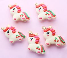 1,456 vind-ik-leuks, 40 reacties - Christina | Confectionary Art (@christinascupcakes) op Instagram: 'Baby unicorn macarons  I used a template I found online but still need to work on keeping their…'