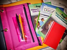 Binder organization for nursing students. Love, love, looove this.. Will definitely be utilizing some of these organizational tips for next semester! Nursing School Tips, Back To School Hacks, Nursing Tips, College Binder, College Planner, Binder Organization, School Organization, Lpn Schools, Studying Medicine