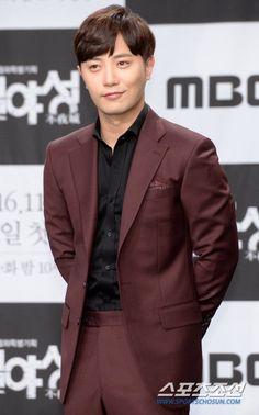 ภาพที่ถูกฝังไว้ Jin Goo, Actors, Actor