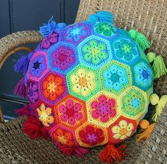 This is the crochet cushion that started it all for me. By Loretta Grayson, I consider this to be absolutely stunning.