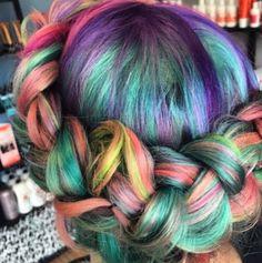"""Coiffure - """"Sand Art Hair"""" : La nouvelle tendance pour des cheveux psychédéliques - Be"""