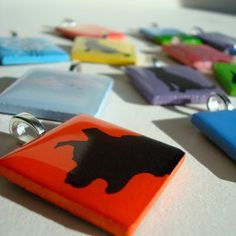 Allover Art: How To Create A Resin Finish On A Tile Pendant