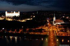 What's better than seeing the beautiful sights of Bratislava? Probably seeing Bratislava by night :) Paris Skyline, New York Skyline, Bratislava Slovakia, European Countries, Eastern Europe, Tours, Night, Travel, Ufo