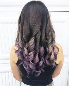 17 hottest silver purple hair colors of 2019 Hair Color Red Highlights, Brown Hair With Caramel Highlights, Hair Color Purple, Hair Colors, Brunette To Blonde, Brown To Blonde, Silver Purple Hair, Light Curls, Long Bob Haircuts