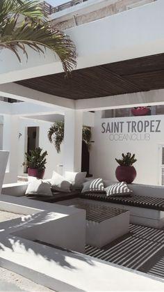 Fashion Blogger // Ocean View @ Saint Tropez, Curacao. - www.wordsthroughtheeyes.com