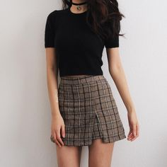 I've come to the realization that I love skirts with a small slit in them.