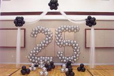25 jaar getrouwd #1. Vier het met een themafeest! #jubilee #25jaar #jubileum #25years #wedding #huwelijk #marriage #feest #party #numbers #balloons #blog #Beaublue