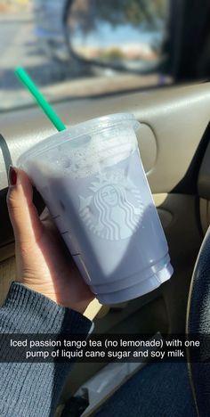 Starbucks Hacks, Healthy Starbucks Drinks, Starbucks Secret Menu Drinks, Yummy Drinks, Smoothie Drinks, Smoothies, How To Order Starbucks, Tequila, Latte