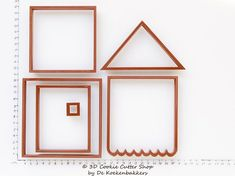 Set of 6 cutters to build a large 3D Gingerbread House. The difference between this house and a normal gingerbread house cookie cutter set is that the roof of this house is seperate and removable. The house is the box and the roof is the lid. You can use this gingerbread house as