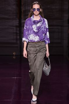See the complete Nina Ricci Spring 2017 Ready-to-Wear collection.
