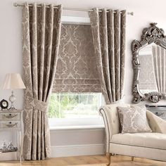 Best Winter Curtains 2020 According to Customer's Satisfaction Design Inspiration The best winter curtains are the ones provide well-insulated and as a blackout. The insulated curtains are usually made of the thick fabrics (about tw. Winter Curtains, Home Curtains, Blinds And Curtains Living Room, Blinds For Windows, Windows 10, Living Room Designs, Living Room Decor, Bedroom Decor, Natural Roman Blinds