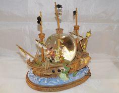 Disney Peter Pan & Captain Hook's Neverland Pirate Ship Snowglobe - You Can Fly- Disney Snowglobes - https://www.supermariobross.nl