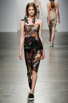 Osklen Spring 2015 Ready-to-Wear Fashion Show Latest Fashion Trends, Runway Fashion, Fashion Show, Girl Fashion, Nyc Fashion, Fashion Beauty, Trend Council, Cool Outfits, Summer Outfits