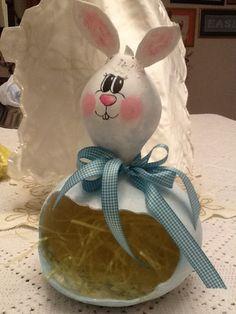 Easter bunny gourd created by Debbie Easley.