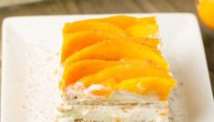 This Filipino mango sago dessert is a delicious dessert consisting of tapioca pearls, mango bits, fresh milk & coconut milk. It's a definite crowd favorite. Mango Sago, Mango Float, Delicious Desserts, Dessert Recipes, Mango Puree, Fresh Milk, Glass Baking Dish, Graham Crackers, Recipe Using