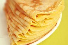 Lait 1/2 écrémé : 50 cl  Farine de blé : 250 g  Oeuf(s) : 4 pc(s)  Sel fin : 1 Pincée(s)  Sucre semoule : 20 g  Beurre doux : 40 g  Huile d'arachide : 3 cl