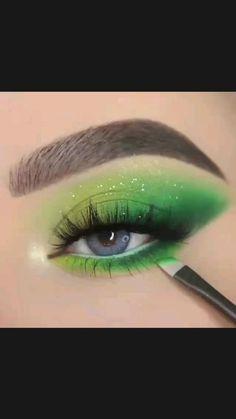 Makeup Tips Eyeshadow, Eye Makeup Art, Eyeshadow Looks, Skin Makeup, Makeup Inspo, Eyeshadow Styles, Neon Eyeshadow, Eyeshadows, Creative Eye Makeup