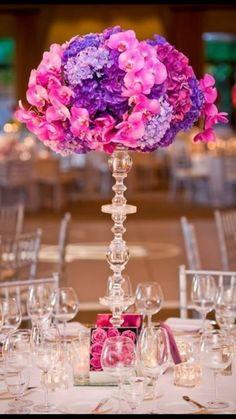 Орхидея  и гортензии в композиции на столы гостей