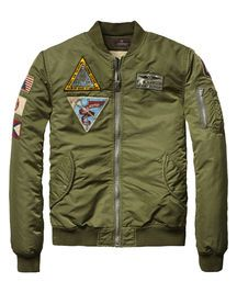 Another classic piece by the trendy designers at Scotch and Soda makes this Army Bomber Jacket a one-of-a-kind. The slim-fit design, makes for a tailored feel that is rare in many of the new style jackets. Military Fashion, Mens Fashion, Military Style, Army Green Bomber Jacket, Urban Outfits, Sweater Jacket, Style Guides, What To Wear, Men Casual
