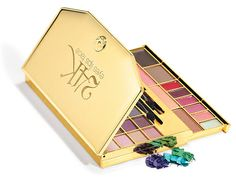 E.l.f. 24K 47 Piece Makeup Clutch, $18, eyeslipsface.com Holiday Wishes, Holiday Gift Guide, Holiday Gifts, Georgina Chapman, Elf Makeup, Gadget Gifts, Best Gifts, Eyeshadow, Gadgets