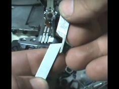 COMO TROCAR AS NAVALHAS DA OVERLOK E INTERLOK  Maquina de Costura Industrial - YouTube