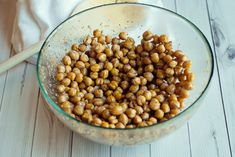 You need to try this Mediterranean Roasted Chickpeas Recipe, these are the new cool of the snack world; crunchy, flavorful, delicious!