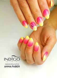 Fruit Smoothies: Lemon Butterly Nail Art Gel & Dreams Come True Gel Brush & Arte Brillante Gel Brush by Anna Faber     #nails #nail #nailsart #indigonails #indigo #hotnails #summernails #springnails #omgnails #amazingnails #inspiration #ombre #ombrenails #fruitsmoothies #pinknails #pink #yellow #nailsicon