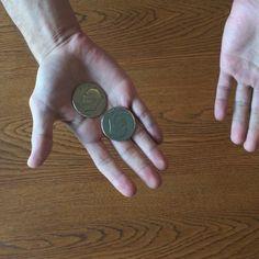 What about just a coin trick? :) #magic #closeupmagic #coinmagic #gothenburg Trollkarl från Göteborg visar tricks