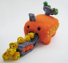 Craft Blog UK - Tips for Selling Craft Online: Anna Hrachovec - Mochimochi Land, The Cutest Knitted things EVER!