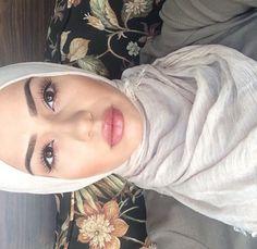 pinterest : @ вσηνtα ☪ Beat Face Makeup, Kiss Makeup, Eyebrow Makeup, Love Makeup, Simple Makeup, Beauty Makeup, Makeup Looks, Hair Makeup, Hair Beauty