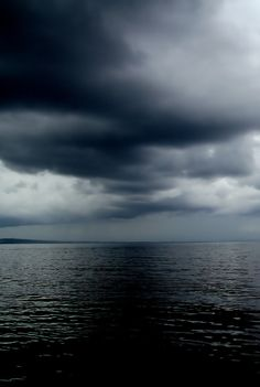 dark moody clouds and sky | incoming storm | ocean | blue | blues | beautiful | nature | mother nature | cloud | stunning