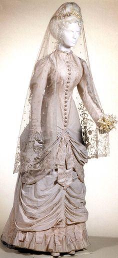 Silk taffeta Wedding gown, circa 1881-1883.  Via Musées Royaux d'Art et d'Histoire, Brussels.