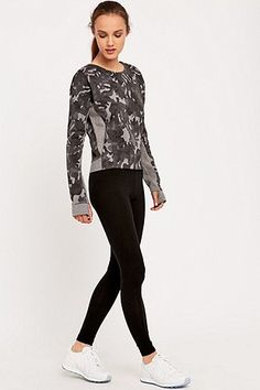 Nike Tech Fleece Crew Sweatshirt - Urban Outfitters