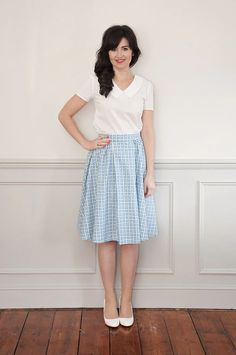 Let the new Rosie Dress sewing pattern from Sew Over It glam up your summer in style! With vintage influences, it's girly, cute & perfect for everyday! Skirt Patterns Sewing, Vintage Sewing Patterns, Clothing Patterns, Skirt Sewing, Coat Patterns, Blouse Patterns, Sewing Clothes, Diy Clothes, Sewing Coat