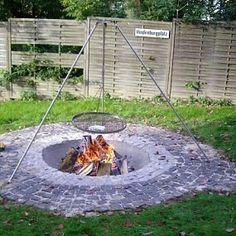 fire pit schwenker grill - google search | schwenker/ grillplatz ... - Feuerstelle Im Garten Gestalten