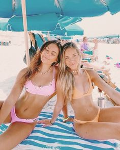 If reposted credit me or dm for photo credit! Cute Beach Pictures, Cute Friend Pictures, Best Friend Pictures, Summer Pictures, Beach Pics, Tumblr Beach Photos, Family Pictures, Lake Pics, Bikini Pictures