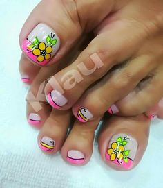 Pedicure Designs, Pedicure Nail Art, Toe Nail Designs, Toe Nail Art, Diy Nails, Beautiful Nail Art, Gorgeous Nails, Love Nails, Flower Toe Designs