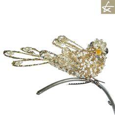 Descriere : Decoratiune Encrusted Bird On Clip ,Auriu Dimensiuni : cm Brand : GoodWill Belgia Best Sellers, Crown, Bird, Jewelry, Corona, Jewlery, Jewerly, Birds, Schmuck