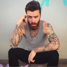 Men with tattoos and beards were never the type of guys we used to drool all over. Levi Stocke is proof! Beard Styles For Men, Hair And Beard Styles, Hairy Men, Bearded Men, Tatted Guys, Sexy Tattooed Men, Look Fashion, Mens Fashion, Beard Model